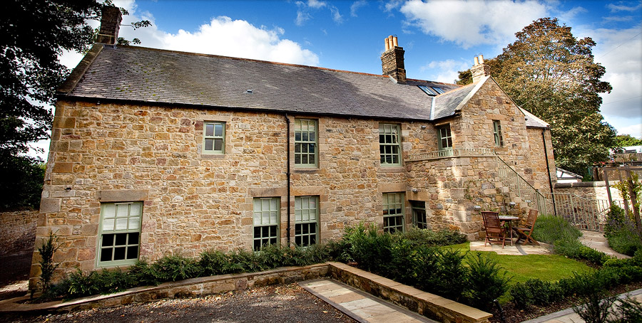 Hallsteads Luxury Holiday Apartments - High quality self catering luxury accommodation in Alnmouth, Northumberland and Edinburgh